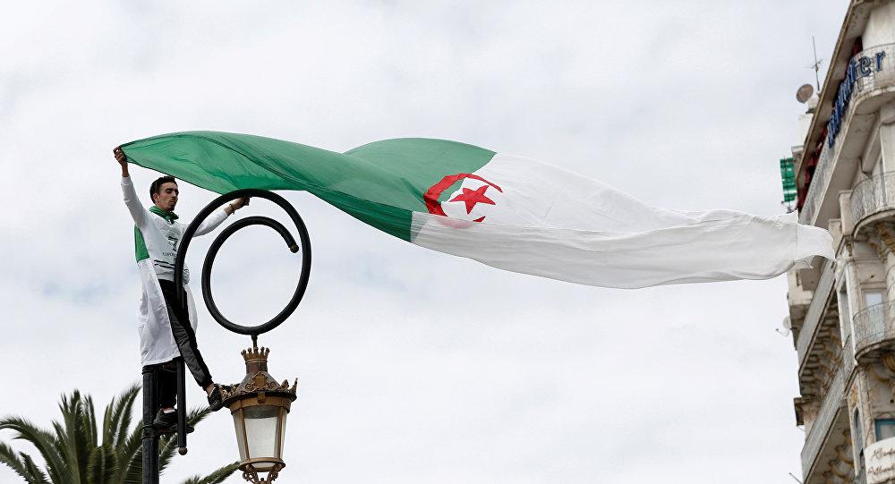 Malestar por la elección del sucesor interino de Buteflika