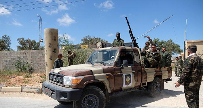 Los miembros del Ejército Nacional Libio, comandados por Jalifa Haftar en Trípoli