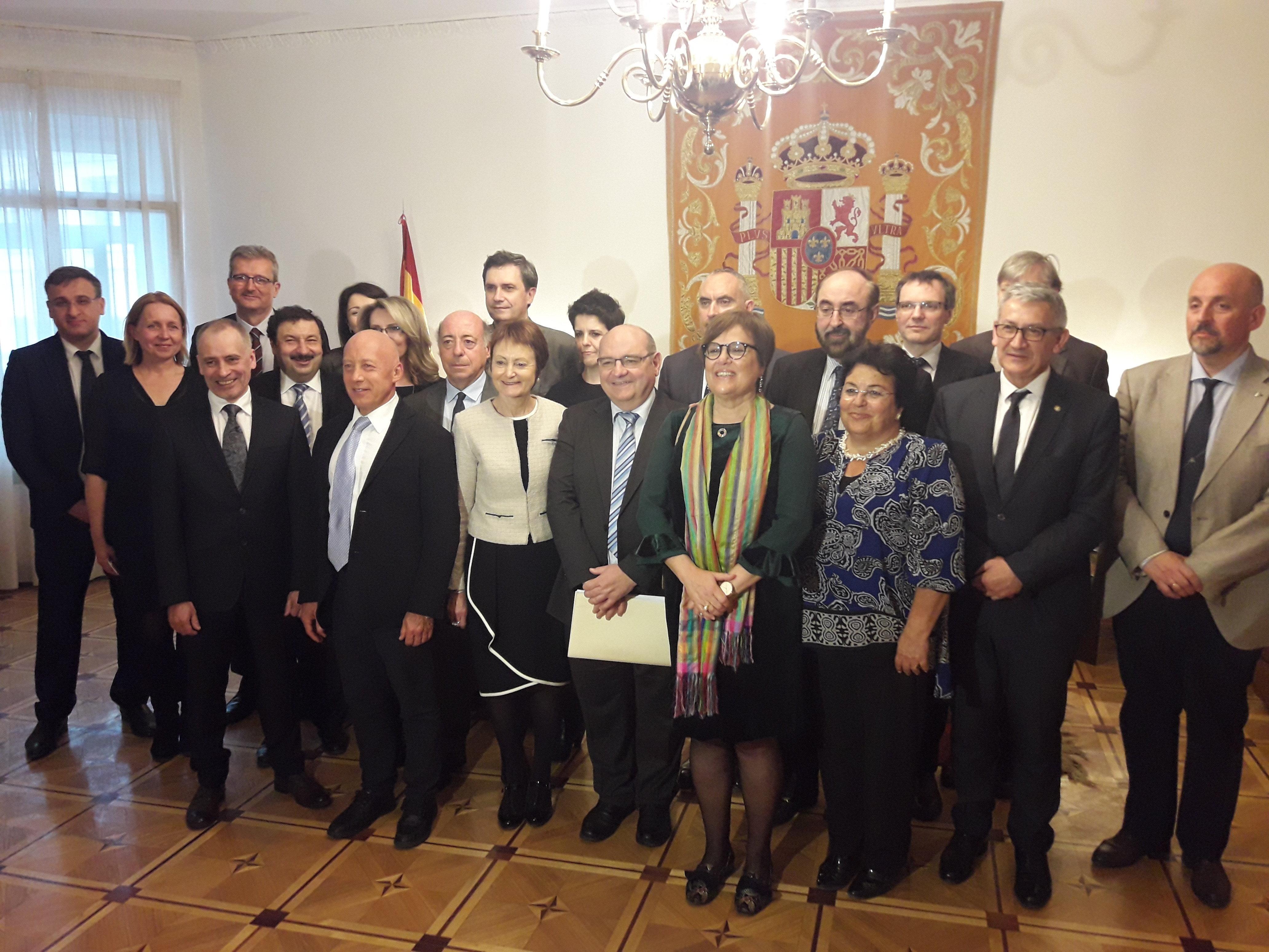 El acto de firma se celebró en la embajada de España en Moscú