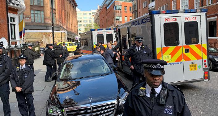 El arresto de Julian Assange en Reino Unido