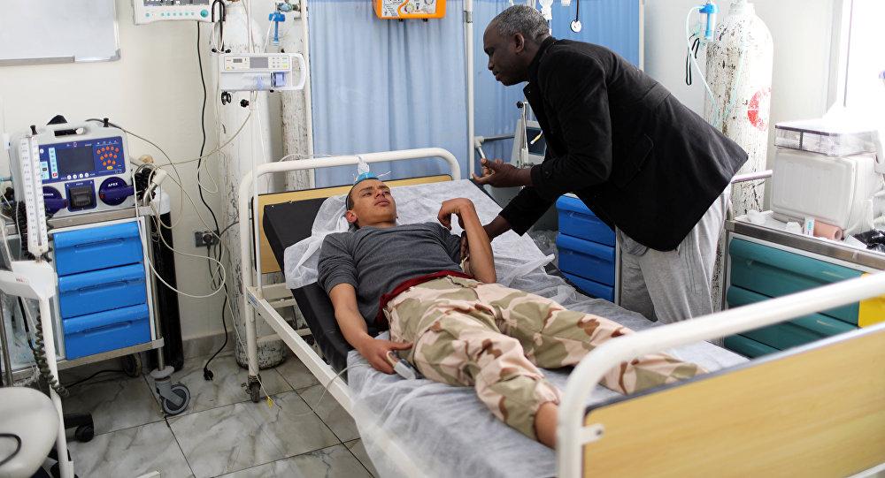 Un soldado herido libio recibe tratamiento