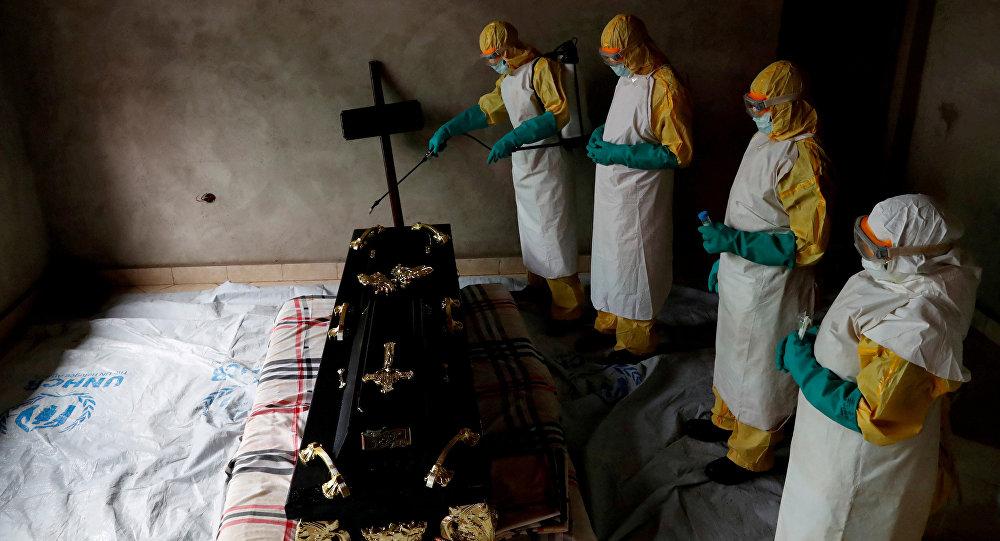 Médicos que luchan contra ébola en Congo