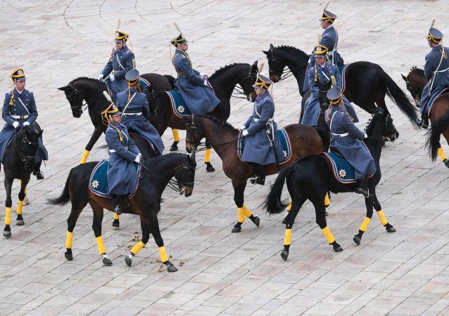 Así es la ceremonia de cambio de guardias en la plaza del Kremlin