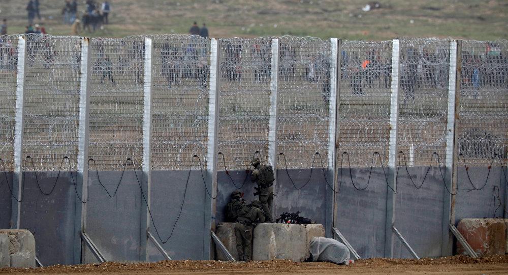 Los soldados israelíes en la frontera con la Franja de Gaza