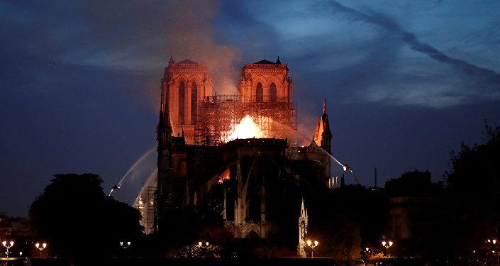 El incendio de Notre Dame, una tragedia que nunca se debe repetir
