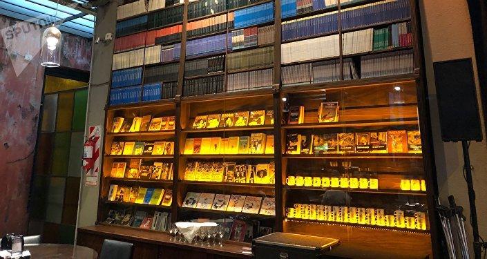 Libros de Fontanarrosa en 'El Cairo', Rosario, Argentina