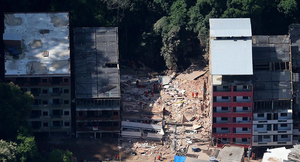 Elevan a 22 cifra de fallecidos tras derrumbes en Brasil