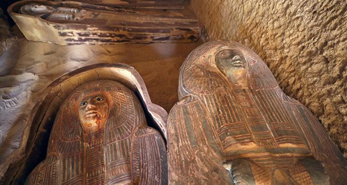 Antigua tumba descubierta cerca de las pirámides de Giza en Egipto