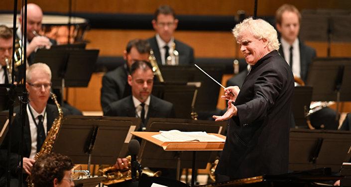 Sir Simon Rattle, el director musical de la Orquesta Sinfónica de Londres