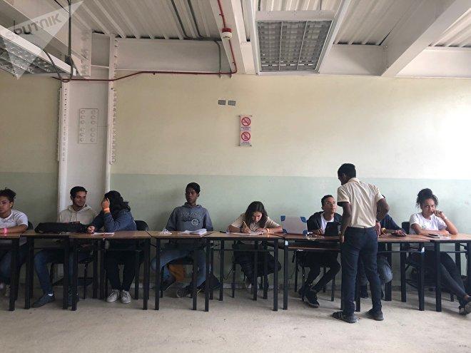 Personas de distintas áreas se reunieron el fin de semana en Caracas para aportar ideas sobre cómo encarrilar la Revolución bolivariana tras el intento de golpe de Estado