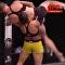 Esta pelea femenina terminó con un salvaje nocaut contra el suelo