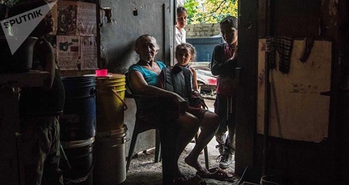 Mujeres venezolanas dicen que el día de las madres, que se conmemora este domingo 12 de mayo en la nación caribeña, más que una celebración se ha convertido en sinónimo de lucha y resistencia ante la crisis que vive su país