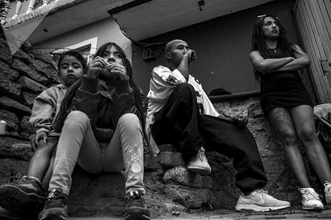 Ecatepec, Estado de México: Niños y pandilleros durante el festejo del séptimo aniversario de Brown Pride