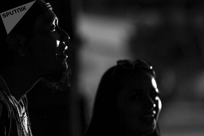 Ecatepec, Estado de México: Dos miembros de la pandilla Brown Pride festejan su séptimo aniversario