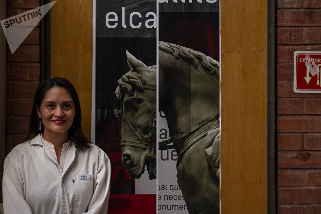 Ciudad de México: la restauradora Jannen Contreras en el taller de metales de la Escuela Nacional de Conservación Restauración y Museografía Manuel del Castillo Negrete