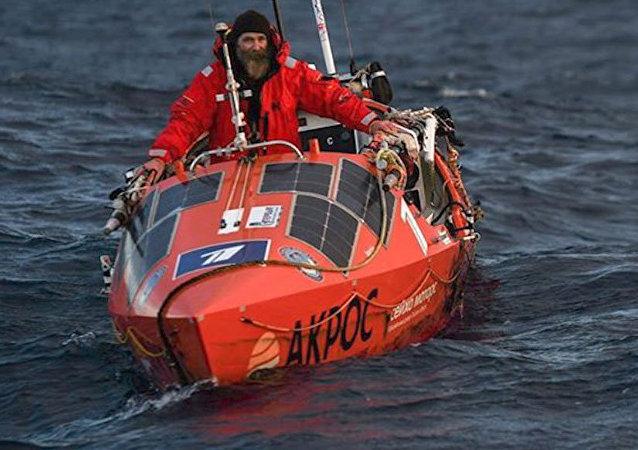 Este explorador estuvo 154 días en el Pacífico hasta llegar a Chile
