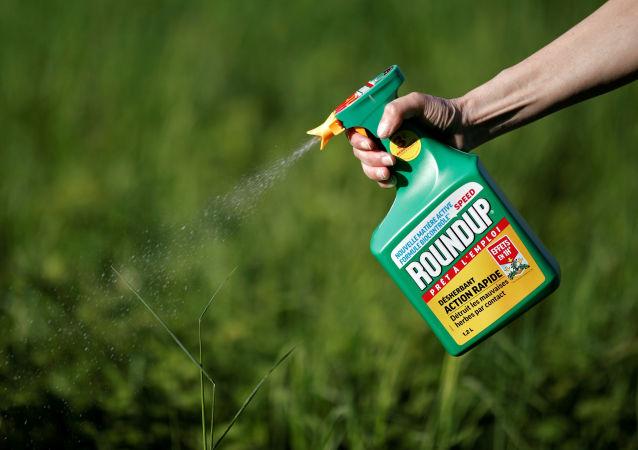 Roundup, agrotóxico con glifosato