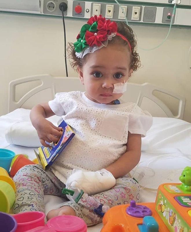 La salud de Isabella corre peligro, pues para asegurar el éxito de su trasplante de hígado se necesitan medicamentos de altísimo costo que su familia no podría pagar sin la ayuda del Estado venezolano, impedido de costear el tratamiento por el congelamiento de sus activos en EEUU