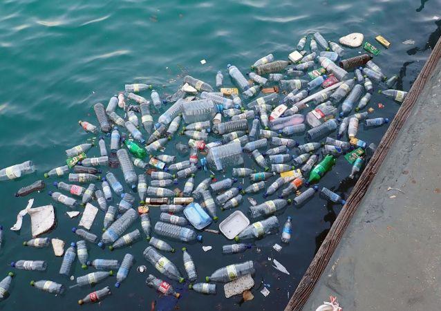 Plástico en el mar