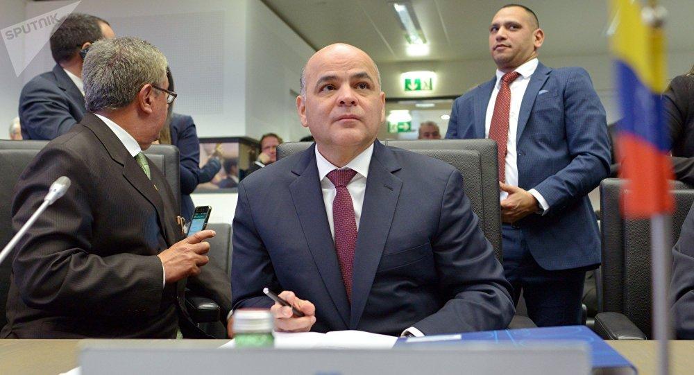 Ministro Quevedo se encuentra en Arabia Saudita para presidir reunión OPEP