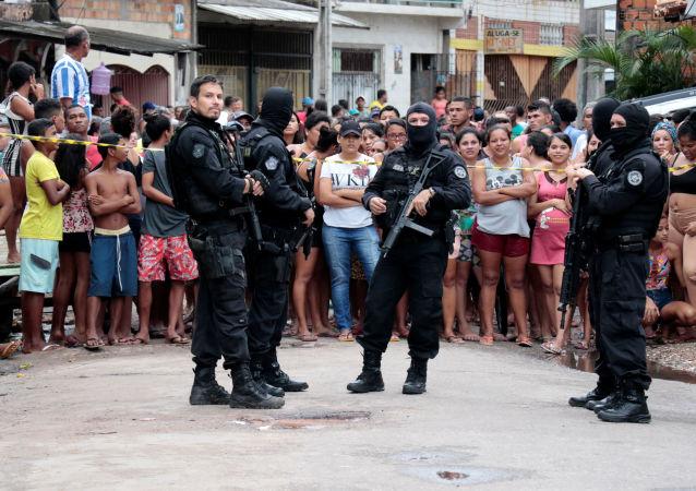 Policías en el lugar de la matanza en Belém do Pará, Brasil