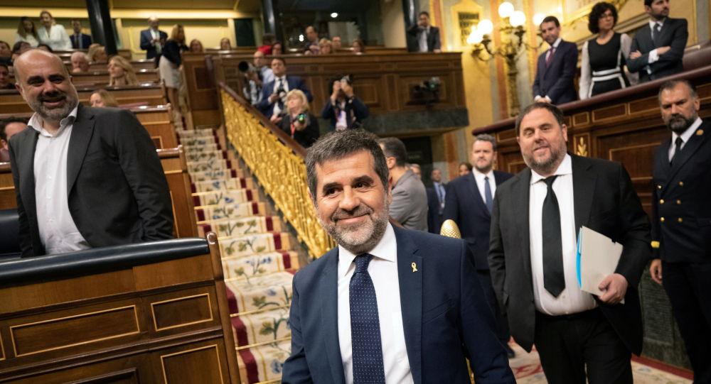 Diputados presos Jordi Sanchez y Oriol Junqueras en el Congreso de los Diputados en Madrid, España
