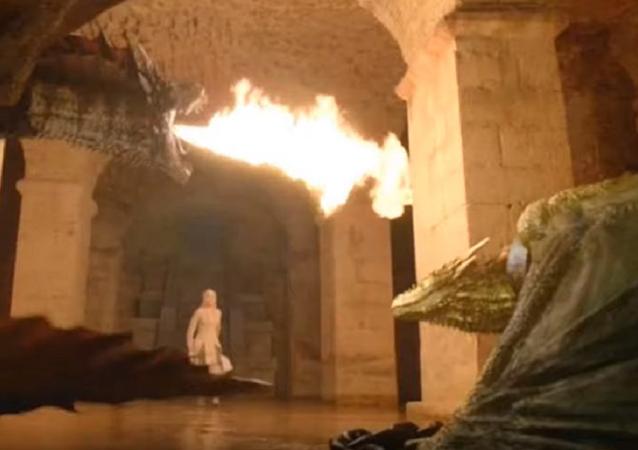 Los dragones de Daenerys Targaryen destruyen la capital de los Siete Reinos, Desembarco del Rey