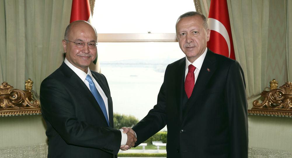 Los presidentes de Irak y Turquía, Barham Saleh y Recep Tayyip Erdogan