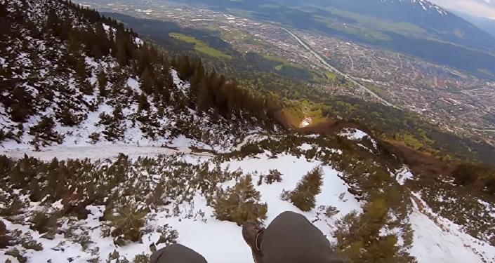 Bellos paisajes a alta velocidad: ¡este vídeo aéreo te dejará sin aliento!