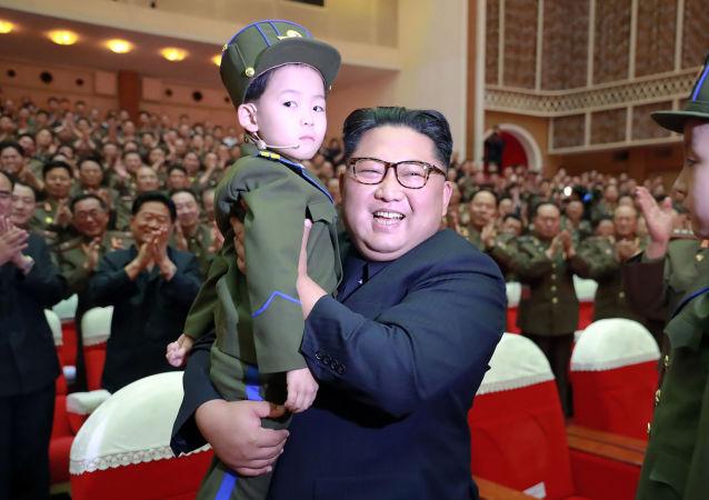 La esperanza de la nación: Kim Jong-un y los niños norcoreanos