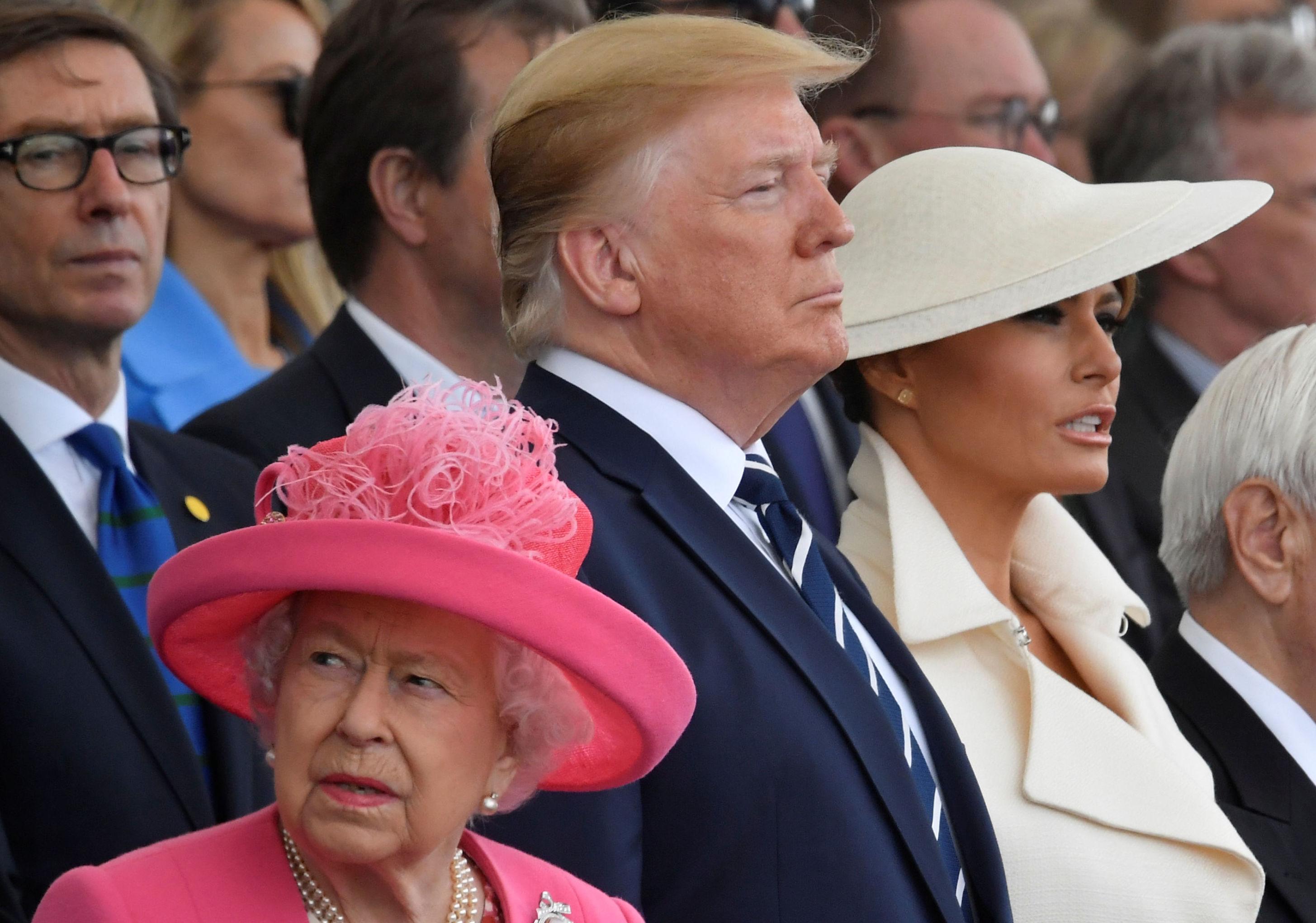 La reina Isabel y el presidente de EEUU, Donald Trump, con su esposa Melania