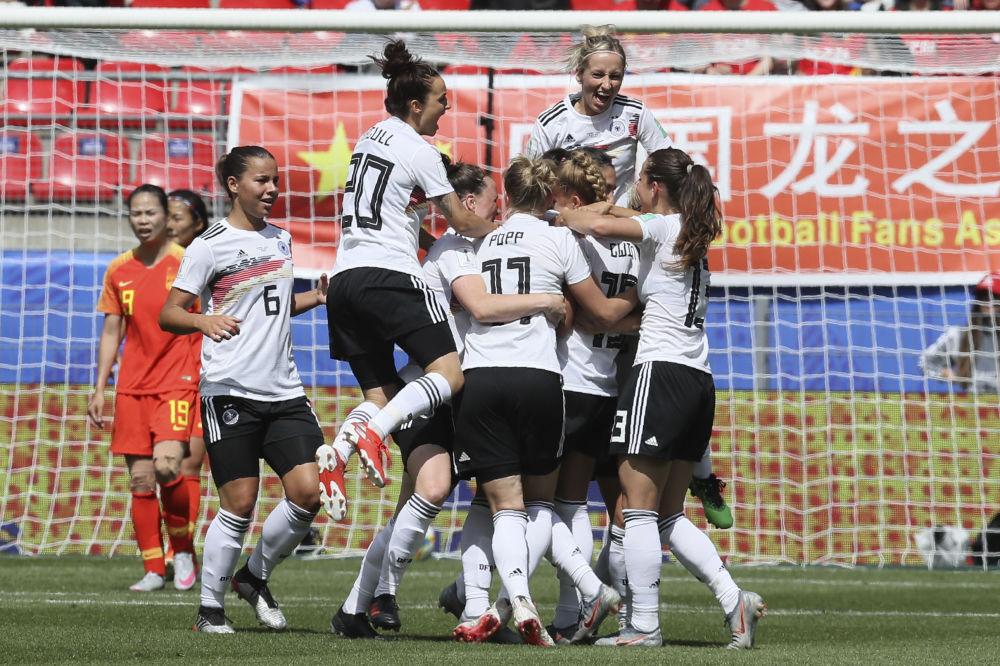 La selección alemana celebra el gol marcado contra China en el Mundial 2019