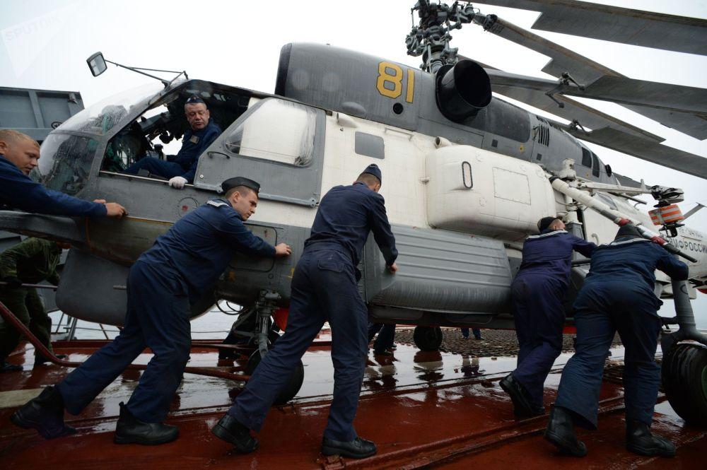 Rusia y Japón se juntan en alta mar para las maniobras de rescate Sarex 2019