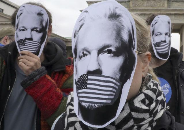 Protesta contra la posible extradición de Julian Assange a EEUU en Berlín, el 2 de mayo de 2019
