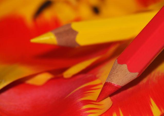 Lápices de colores, imagen referencial