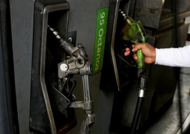 Un surtidor de gasolina en Venezuela