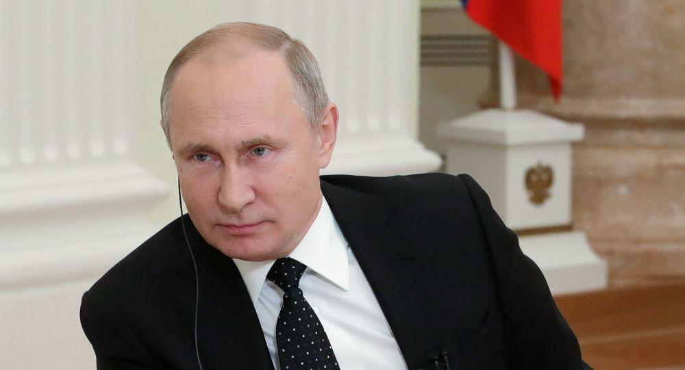 El presidente de Rusia, Vladímir Putin, en una entrevista en el Financial Times