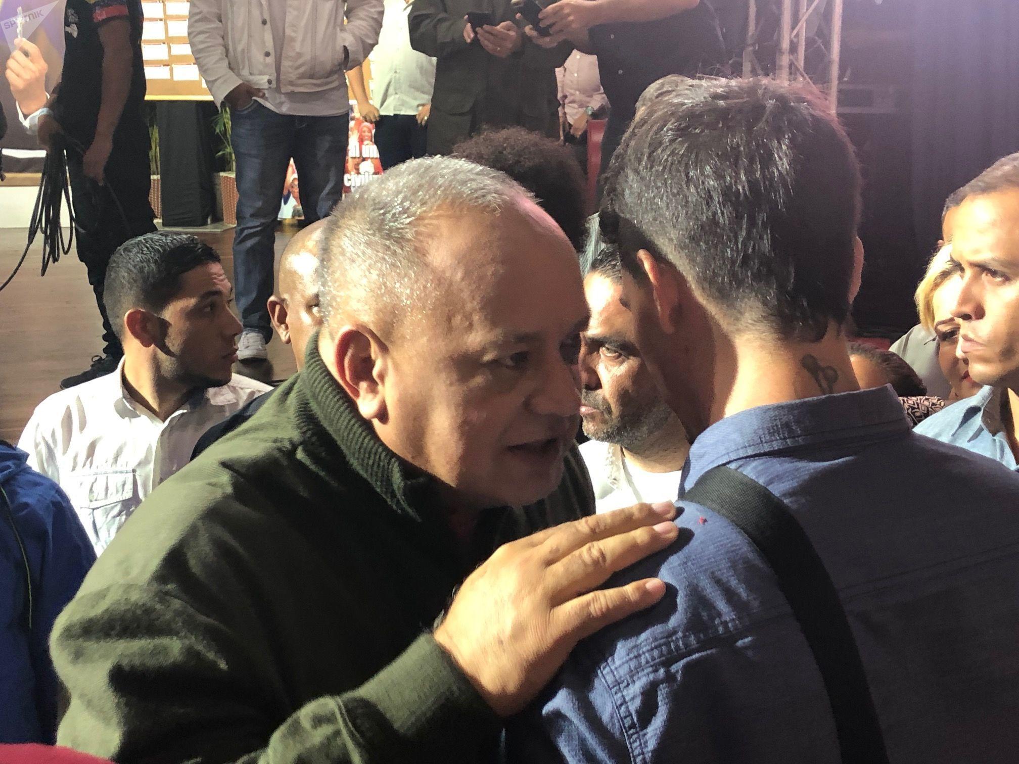 Diosdado Cabello habla durante su programa