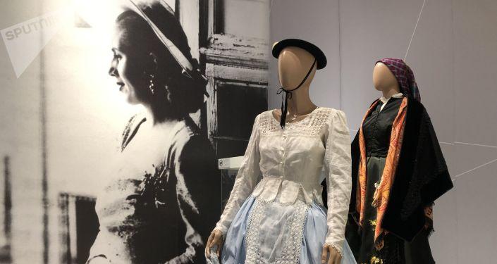 Los trajes de Evita obsequiados por España