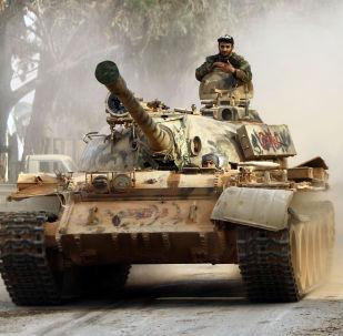 Un tanque del Ejército Nacional de Libia (archivo)