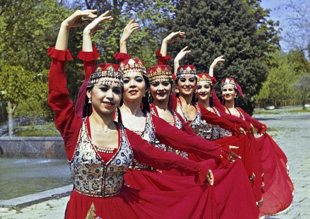 Mujeres uzbekas