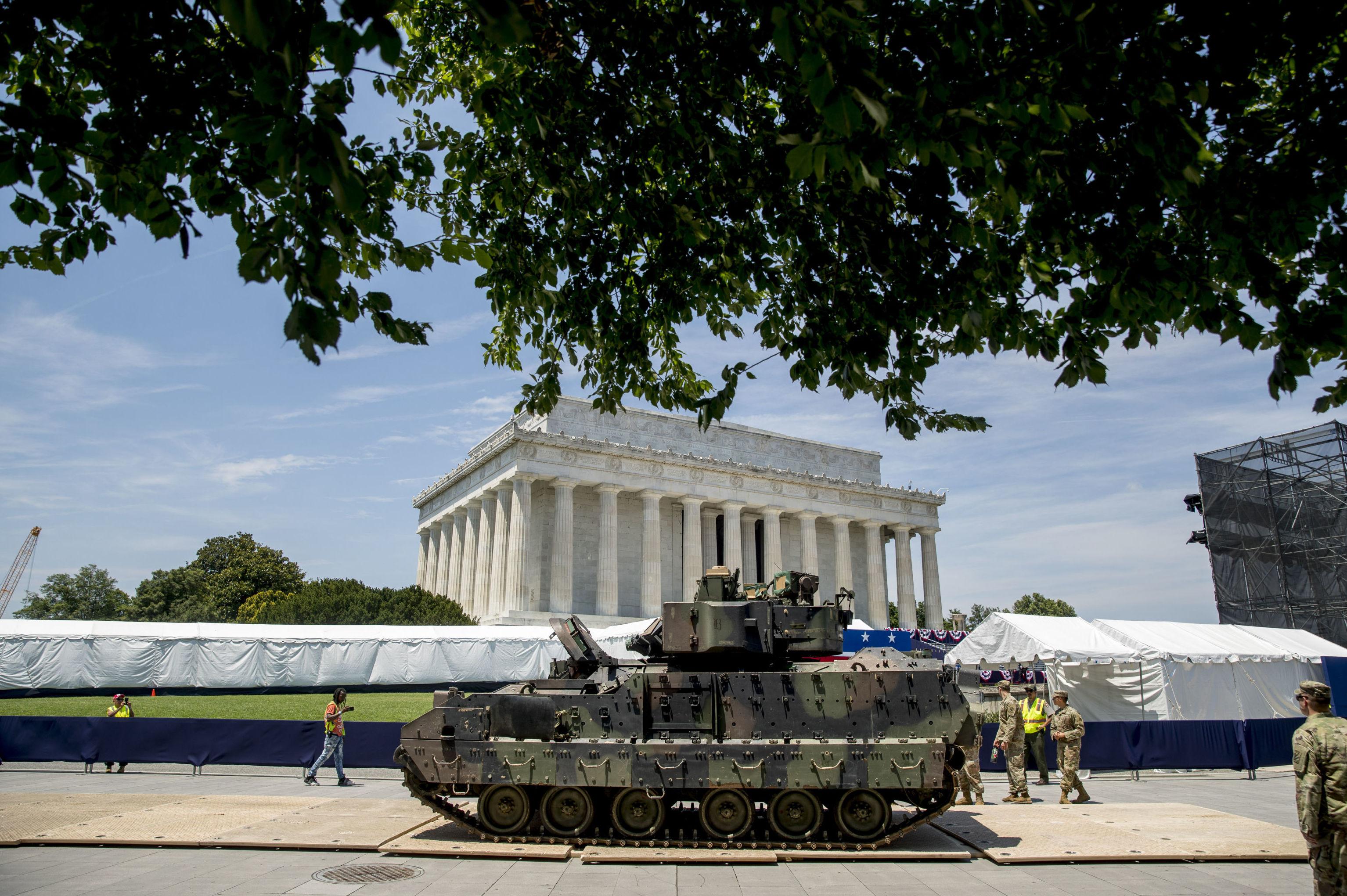 Uno de los transportes blindados Bradley traídos para la celebración del 4 de julio