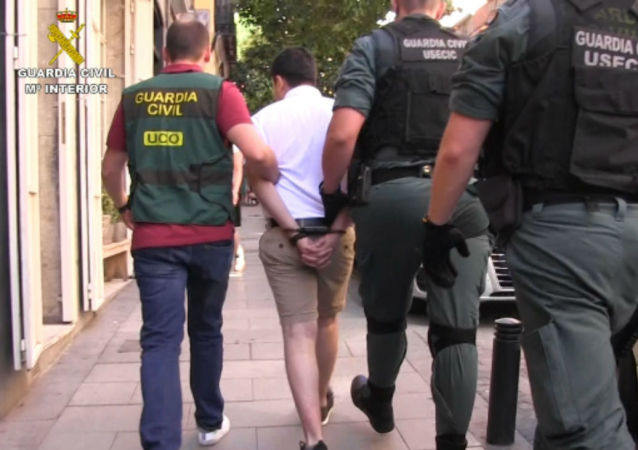 La Guardia Civil detiene al mayor ciberestafador de la historia de España