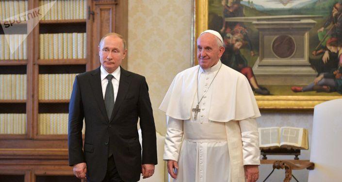 El papa Francisco y el presidente ruso, Vladímir Putin