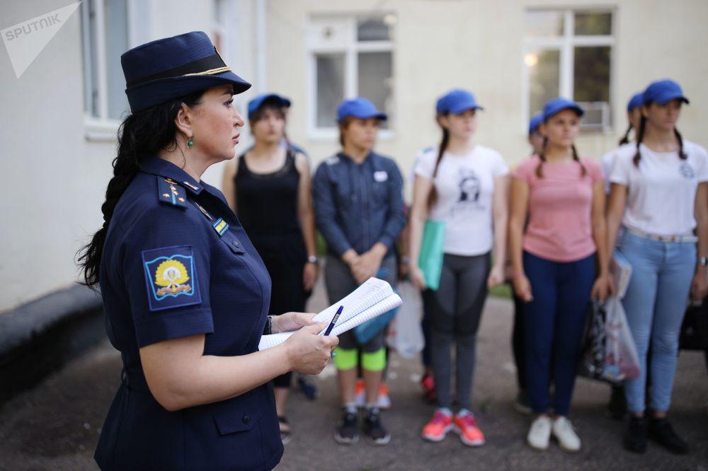 Las Bellezas Aéreas: las intrépidas jóvenes de Rusia eligen la carrera de pilotos militares
