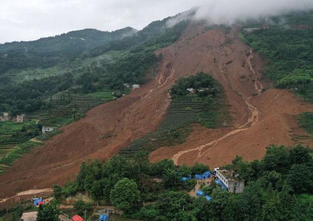 Deslizamiento de tierra en la provincia de Guizhou, China