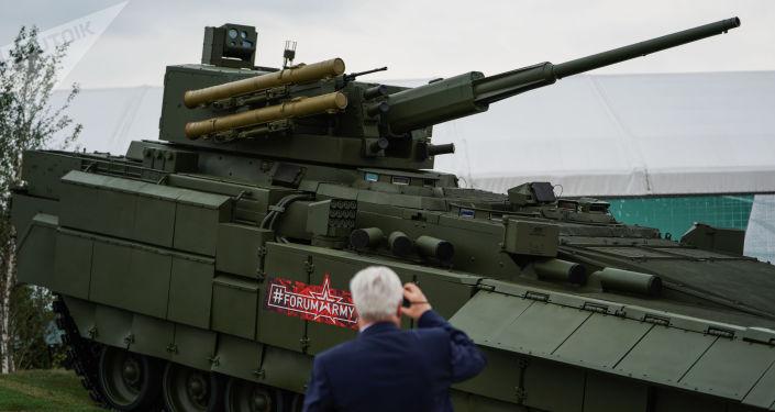 Vehículo de infantería T-15 de la plataforma Armata