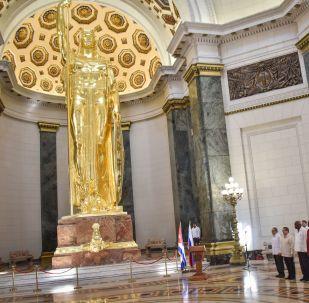 La reinauguración de la Estatua de la República, 90 años después de ser colocada en el centro del Capitolio de La Habana