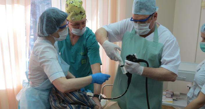 El trasplante de microbiota fecan en el Centro de Nuevas Tecnologías Médicas de la ciudad rusa de Novosibirsk