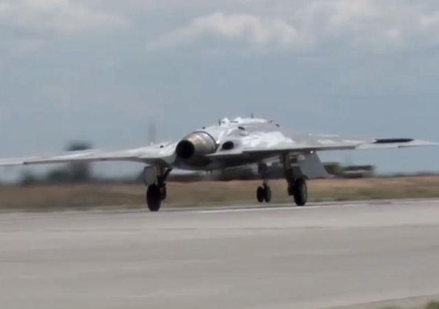 El primer vuelo del dron ruso Ojotnik